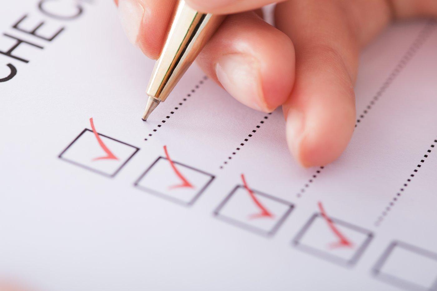 Woman Creating an Office 365 Migraton Checklist